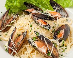 Мидии со спагетти